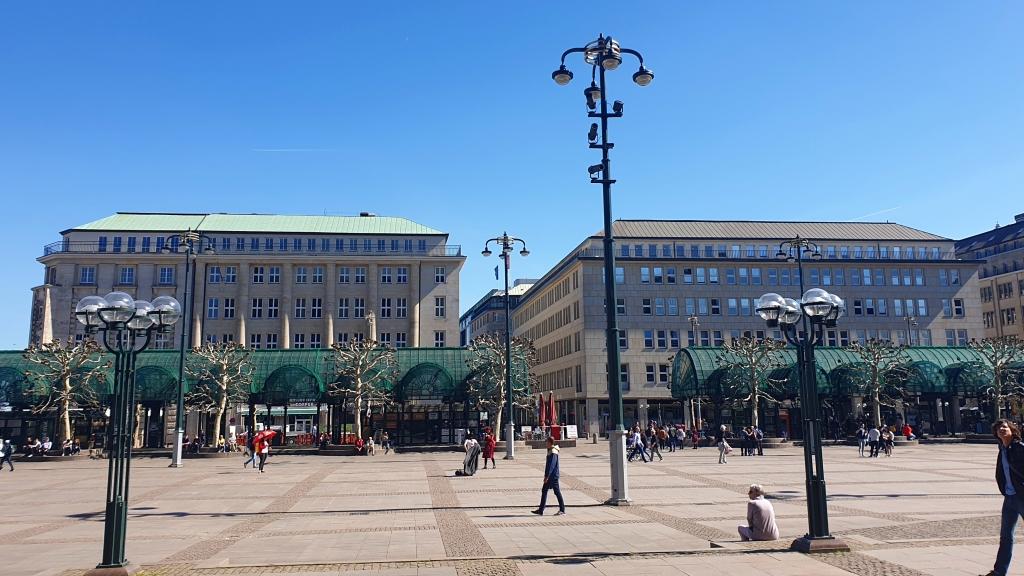 Vorplatz Rathaus Hamburg