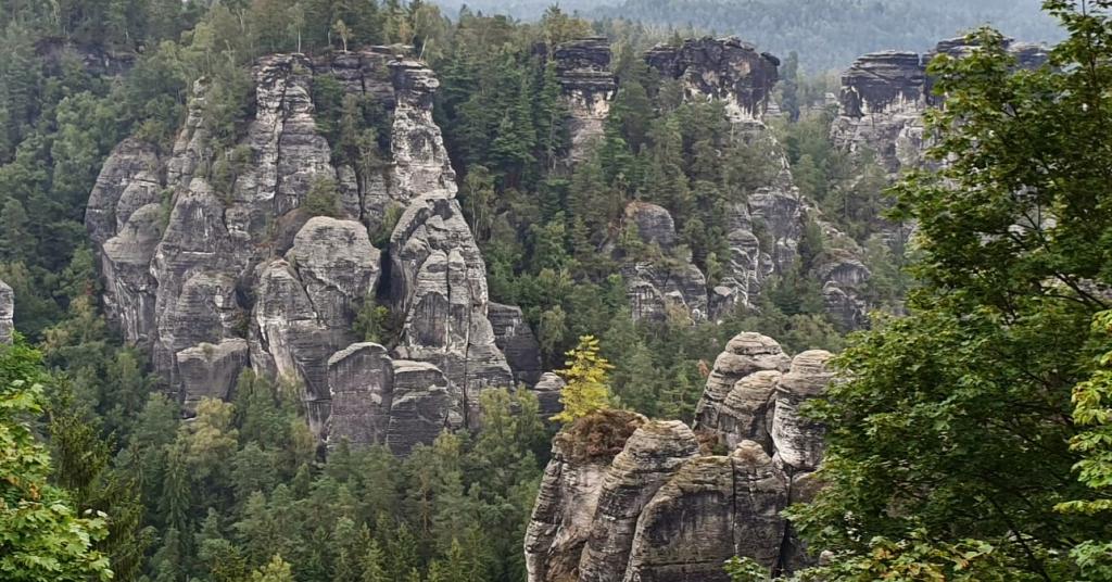 Ausblick von der Felsenburg